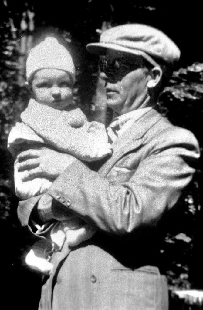 1943 Aage Larsen med Finn