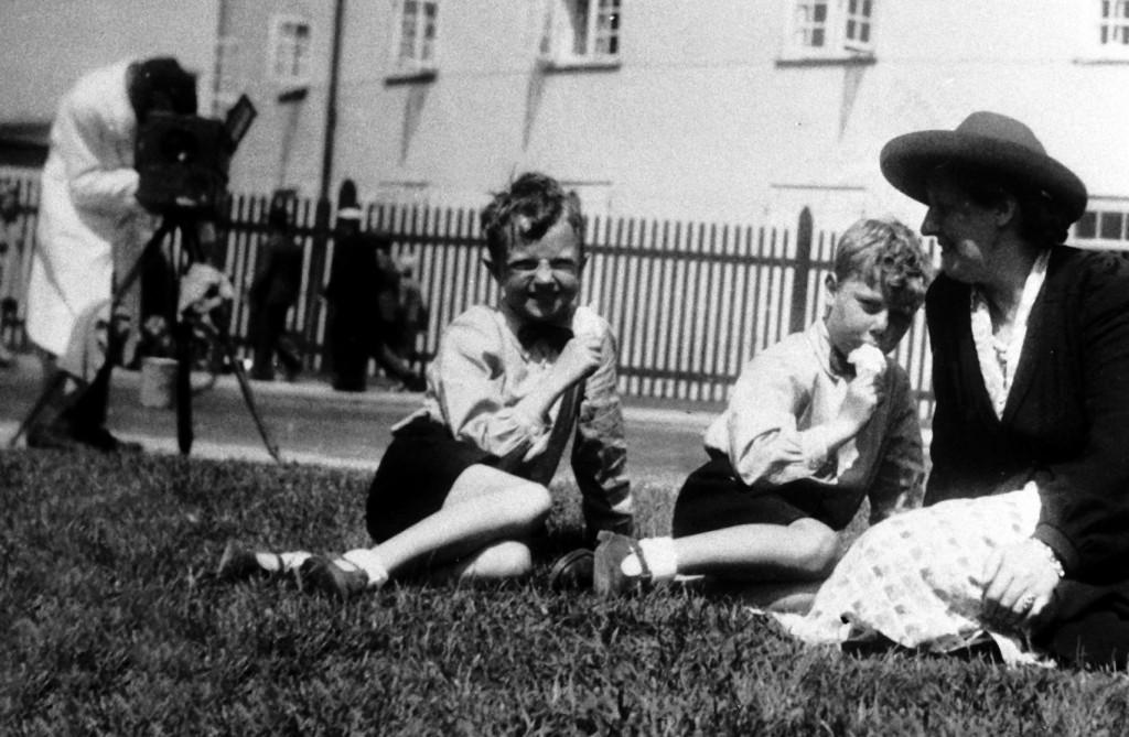 1951 Gerda & Kjeld & Finn