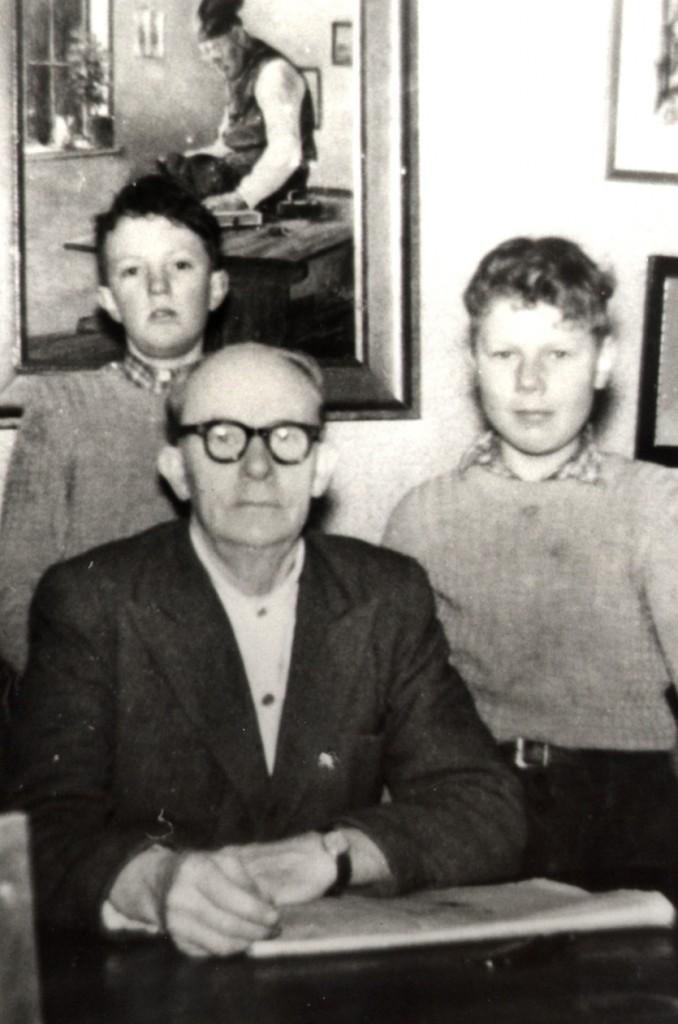 1955 AageLarsen  med Kjeld og Finn