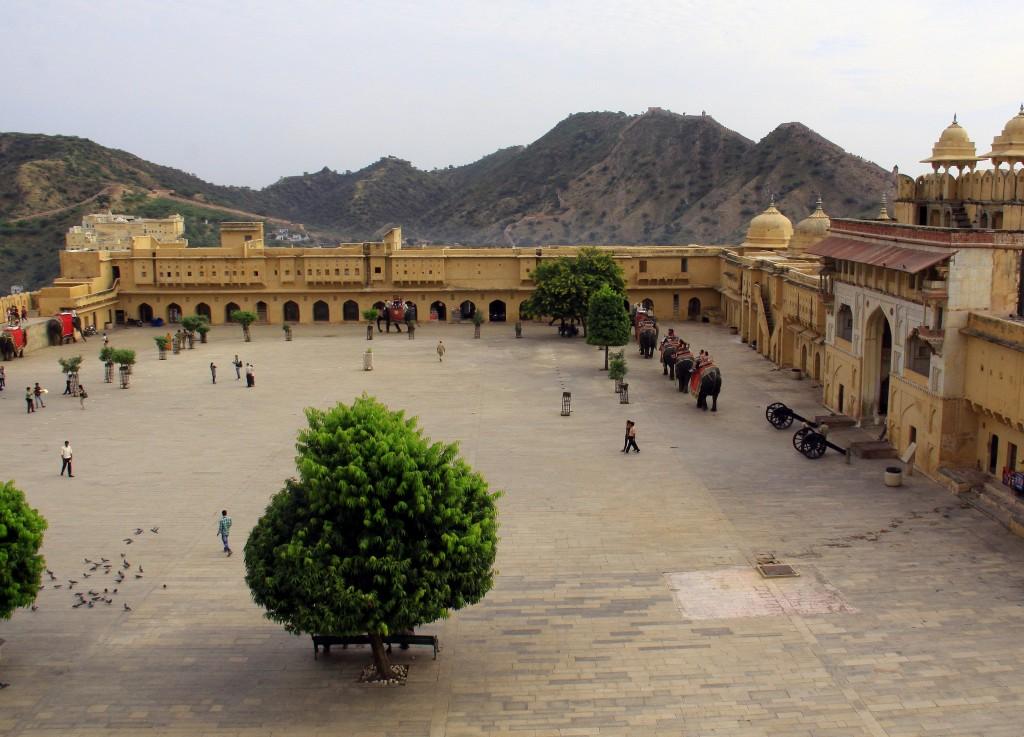 2011 Indien Jaipur (147a) Amber