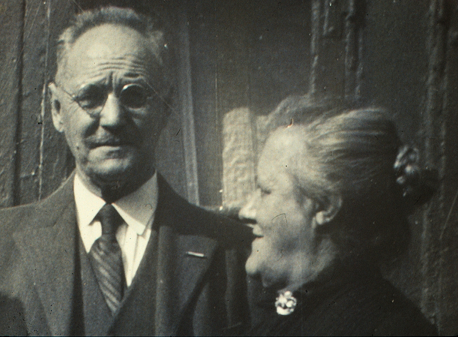 48b August Nielsen og  Jensigne 1937