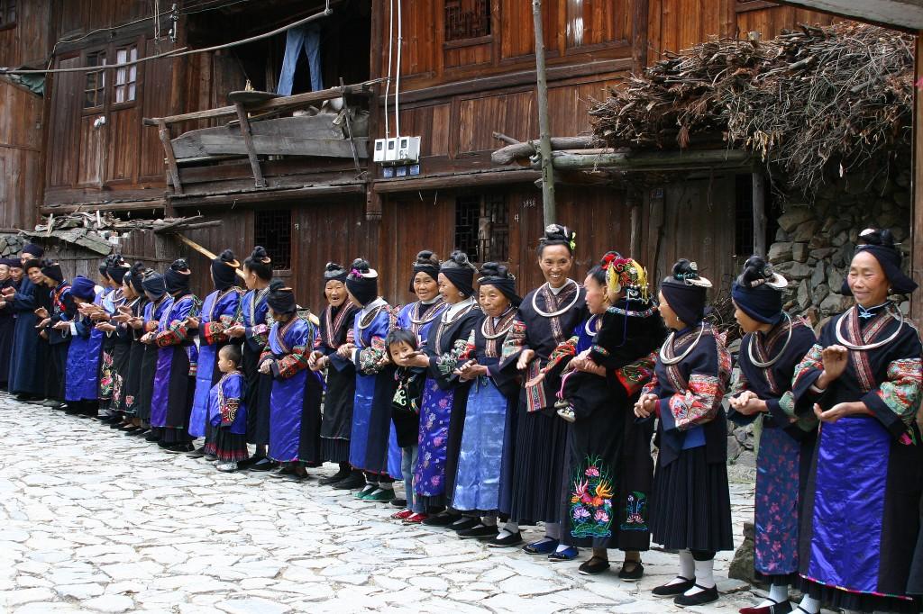 Langskørtet Miao-folk (4)